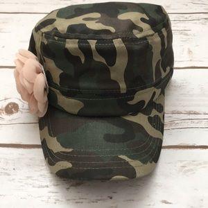 [Pugs Gear] Camo & Flower Cadet Hat